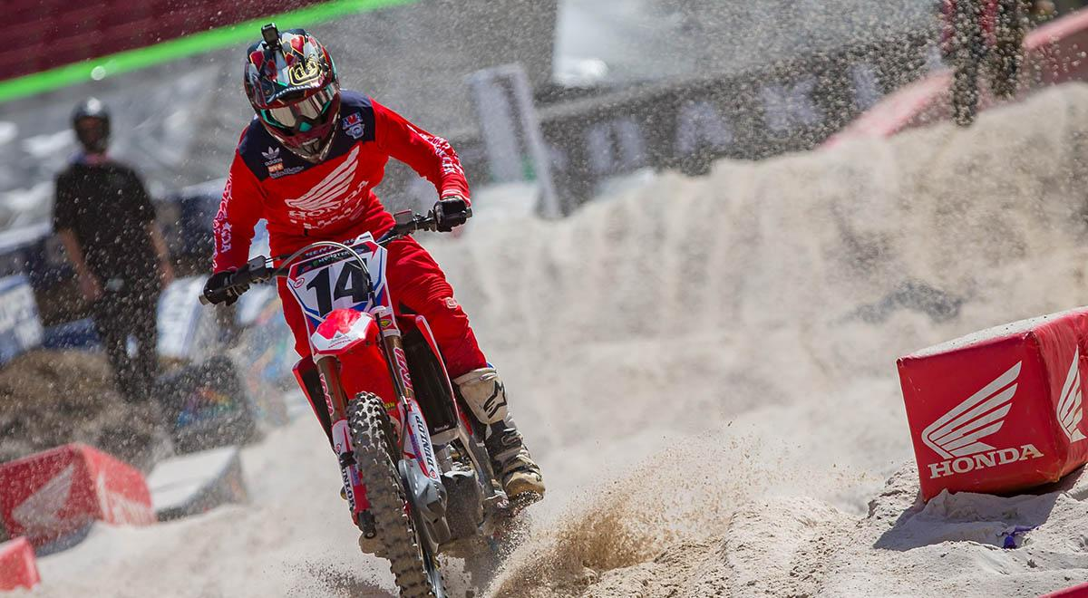 Cole Seely Crash at Tampa Round 8 2018