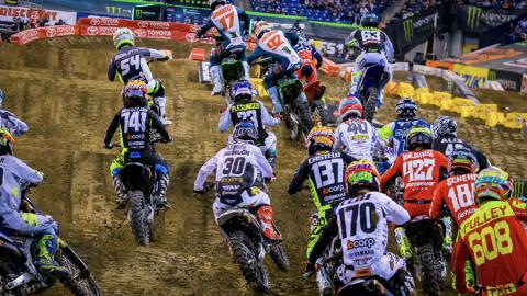 250SX Start. Photo by Jack Edwards.