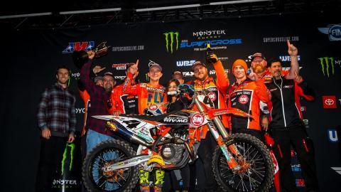 450SX Team Celebration